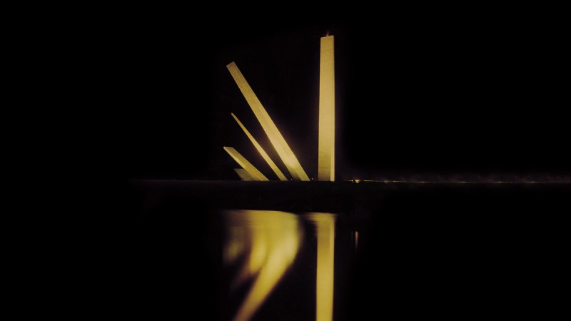 monumento noturna